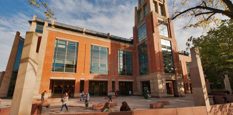 Queen's University Library