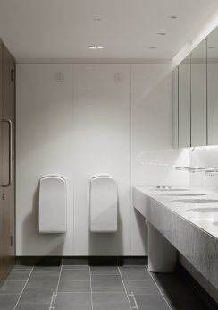 Floor to ceiling privacy